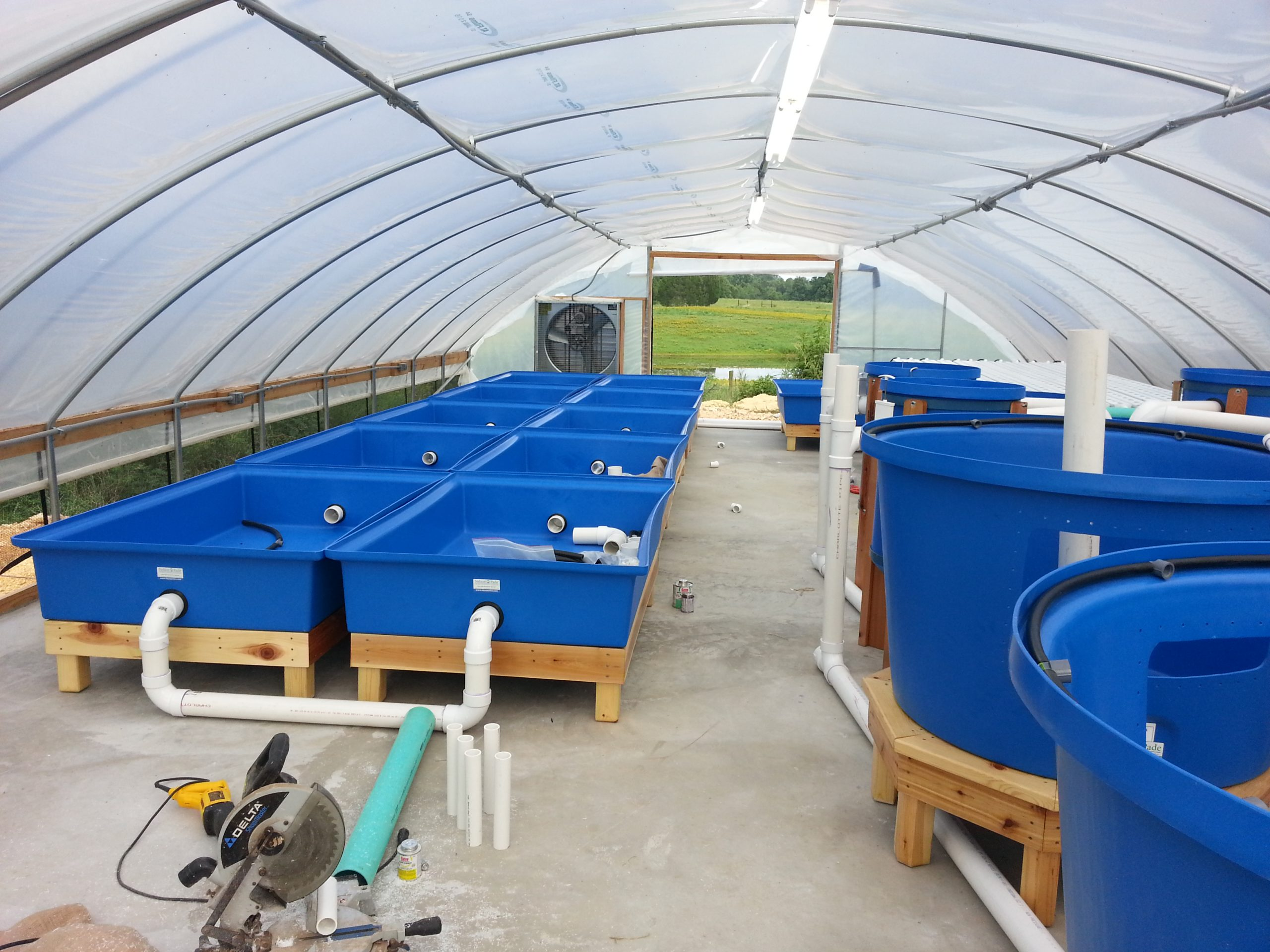 Indoor Growers World - Aquaponics - Controlled Environment Agriculture